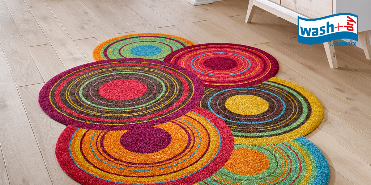 wash+dry Decor mat with colourful circles in special shape