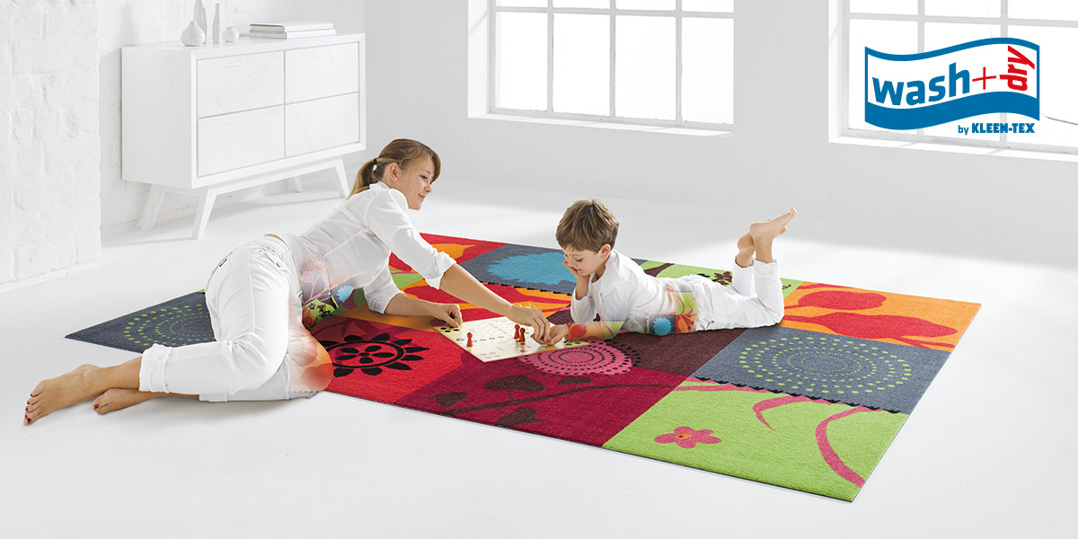 wash+dry Decor mat with mother and child lying down